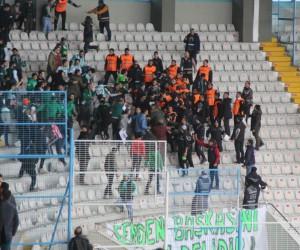 B.B Erzurumspor - Akın Çorap Giresunspor maçının ardından tribünler karıştı
