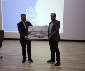 Beyşehir'de, 18 Mart Çanakkale Zaferi konulu konferans
