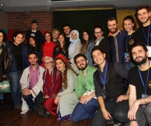Sui Generis Tiyatro, Trabzon'da tam not aldı