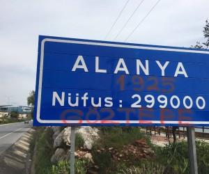 Göztepe taraftarından Alanya tabelasına sprey boya