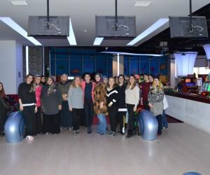 Kartepe'li kadınlar bowling heyecanı yaşadı