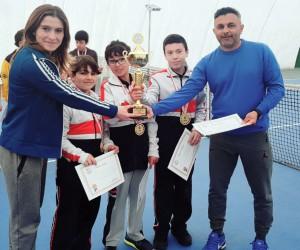 SANKO Okulları Küçük Erkek Tenis Takımı İl Birincisi Oldu