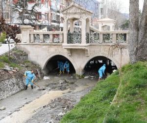 Isparta Çayboyu kanalı temizlendi