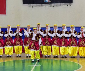 Osmaniye'de halk oyunları yarışması