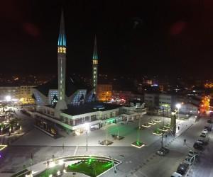 Aydınlatma çalışmalarıyla  Atatürk Caddesi ışıl ışıl oldu