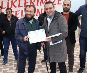 Alaçam'da engelli ve hükümlülerin belge heyecanı