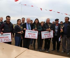 Efeler'de rahvan at yarışları heyecanı yaşandı