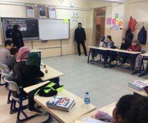 Çavdarhisar İmam Hatip Ortaokulu'nda 'akran rehberliği' uygulaması