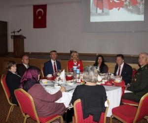 Kaymakam Sırmalı'dan şehit aileleri ve gaziler onuruna yemek