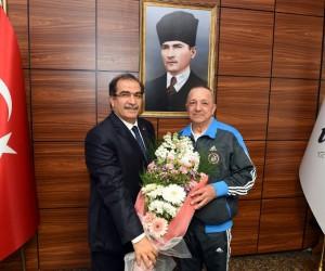 """Vali Salim Demir, """"Yaşlılarımızın sağlıklı ve mutlu bir yaşam sürmelerini sağlamak hem devletimizin hem de toplumun görevidir"""