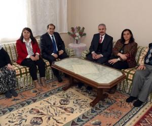 Vali Salim Demir ve eşi Nezahat Demir şehit ailelerini ziyaret etti