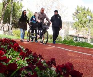 Engelli bireylere bisiklet eğitimi