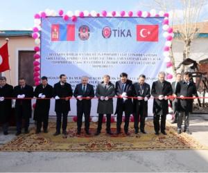 Hakan Çavuşoğlu Moğolistan'da cezaevini ziyaret etti