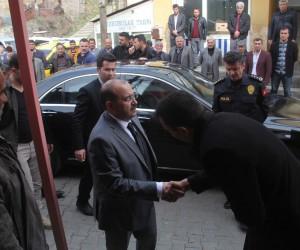 Vali Ustaoğlu, saldırıda hayatını kaybeden Kılıçarslan'ın taziyesine katıldı