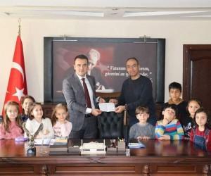 Altıntaş'ta Mehmetçik Vakfı'na bağışlar devam ediyor
