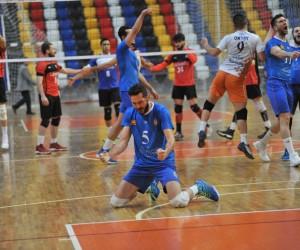 Oylat Kaplıcaları İnegöl Belediyespor şampiyon oldu