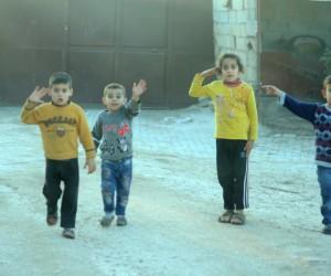 Teröristlerden kurtulan Afrinli çocuklar artık daha mutlu
