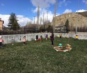 Ana okulu öğrencileri Afrin Şehitleri için ağaç diktiler