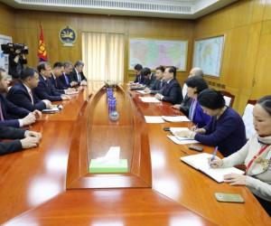 Başbakan Yardımcısı Çavuşoğlu Moğolistan'da mevkidaşı Enkhtuvshin ile görüştü