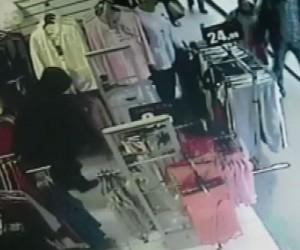 (Özel)Poşetli pijama hırsızı kamerada