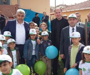 Hisarcık köy okulunda fidan dikme şenliği