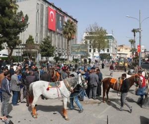 Şanlıurfa'da at arabası sahiplerinden eylem