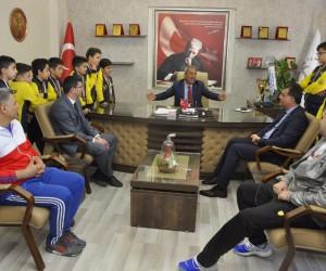 Mehmet Yağcı GKV'nin şampiyon takımlarını ağırladı