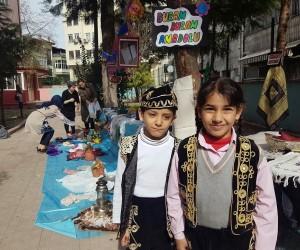 Minik öğrenciler Anadolu Kültürü'nü okul bahçesine taşıdılar
