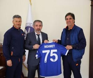ARÜ'den Serhat Ardahanspor'a tam destek