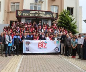 Adıyaman'dan İstanbul ve Çanakkale'ye 100 öğrenci uğurlandı