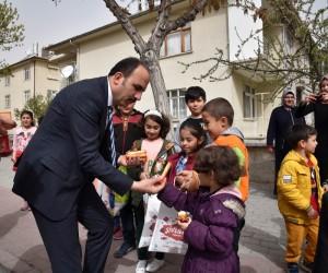 """Başkan Altay: """"Çocuklar bereketimizi arttırıyor"""