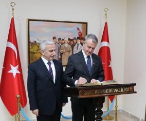 Kanada'nın Ankara Büyükelçisi Cooter'dan Vali Kamçı'ya ziyaret