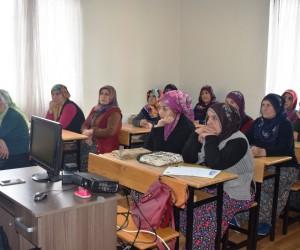 'Ailede sabır' konferansı düzenlendi