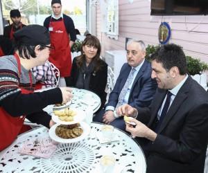 Down sendromlu meraklı aşçılar Zahir Kafe'de buluştu
