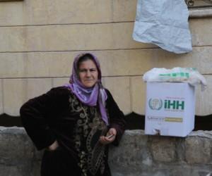 İHH İnsani Yardım Vakfı, Afrin'deki binlerce aileye yardımlarını sürdürüyor