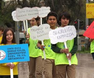 Buca'da öğrenciler suyun önemini anlattı