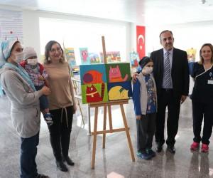 Hematoloji ve onkoloji hastası çocuklardan resim sergisi