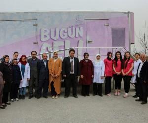 Meram'da 'Pembe Tırla' kanser taraması