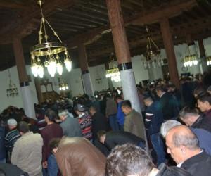 Regaip Kandili'nde vatandaşlar camileri doldurdu