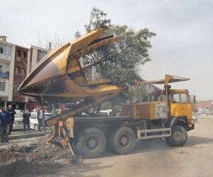 Konya yolu üzerindeki ağaçlar nakil ediliyor