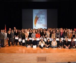 Mimarlık ve Tasarım Fakültesi Yüksek Onur ve Onur Belgesi Töreni gerçekleştirildi