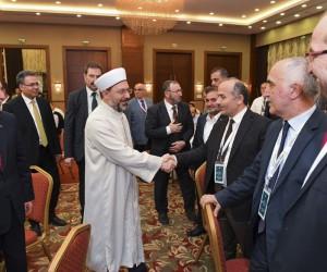 Diyanet İşleri Başkanı Erbaş Malatya'da kanaat önderleriyle bir araya geldi