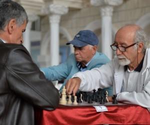 60 yaş üstü satranç turnuvası