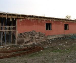 Kaymakam Çetin, yanan cem evinde incelemelerde bulundu