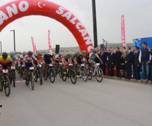 Başbakan Yardımcısı Şimşek, Gaziantep Uluslararası Dağ Bisiklet Kupası startını verdi