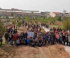 KMÜ'de 180 meyve fidanı toprakla buluşturuldu