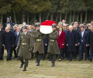 MHP Lideri Bahçeli, Merkez Yönetim Kurulu ve Merkez Disiplin Kurulu üyeleri ile Anıtkabir'de