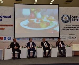 Başkan Yağcı, gastronomi ve turizm konulu panele katıldı
