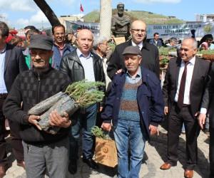 Bergama'da şehitlerimiz için anlamlı etkinlik
