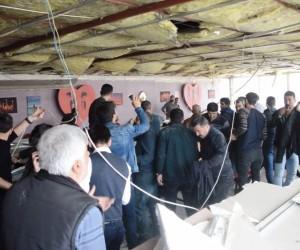 Fırtına nedeniyle kahvehanenin asma tavanı çöktü